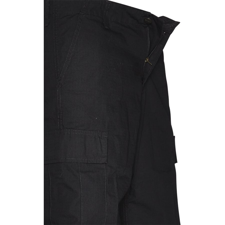 REGULAR CARGO SHORT. I015999 - Regular Cargo Shorts - Shorts - Regular - BLACK RINSED - 4